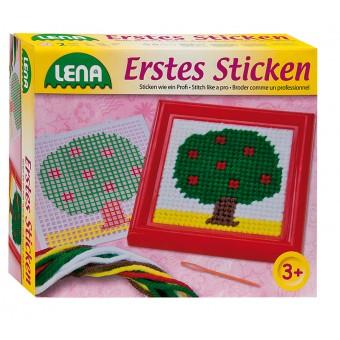 Lena Mit Første Broderi, Træ Stramaj til børn